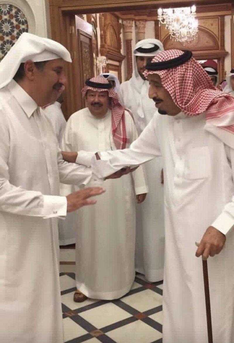 حقيقة نشر صورة تجمع بين الشيخ حمد وخادم الحرمين الشريفين