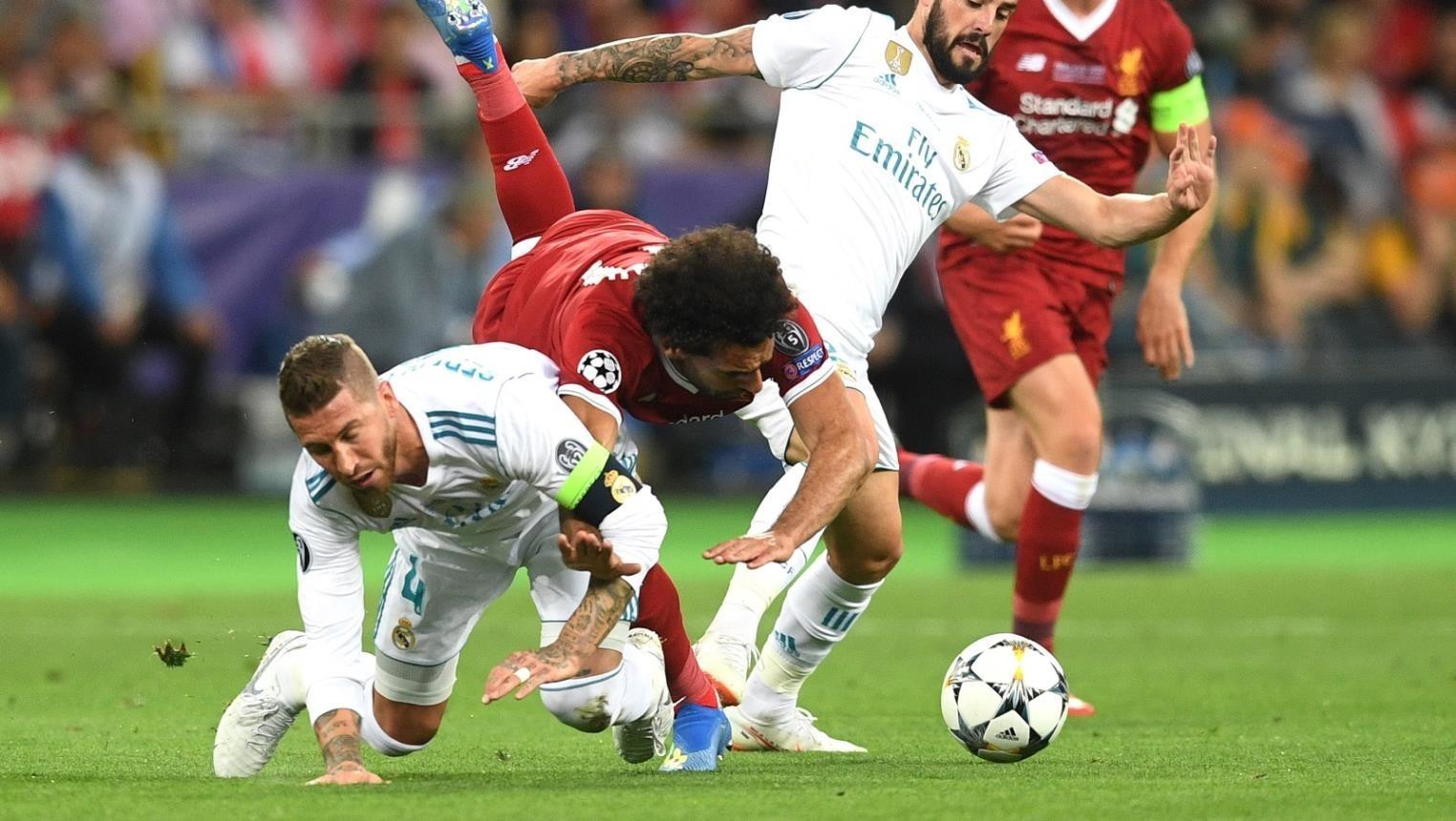 """بسبب صلاح.. لاعب ليفربول يرفض مقابلة """"سيرخيو راموس"""""""
