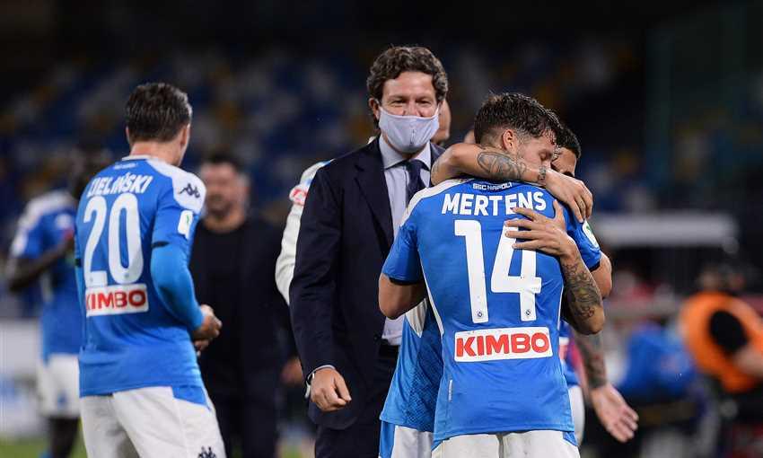 نابولي يتأهل لنهائي كأس إيطاليا على حساب الانتر بهدف تاريخي لميرتينز
