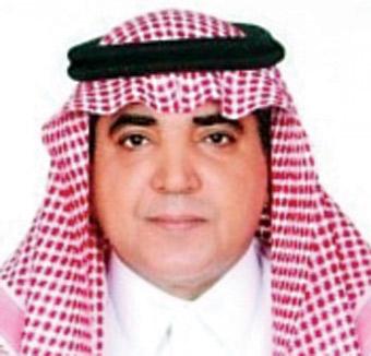 """نشطاء تويتر ينعون رئيس تحرير صحيفة الرياض """" فهد العبدالكريم """""""