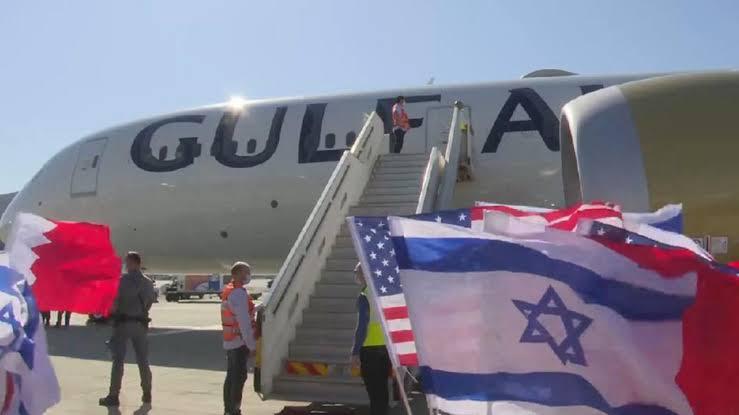لأول مرة.. وزير خارجية البحرين في إسرائيل ويصرح: نسعى لتوسيع نطاق التعاون