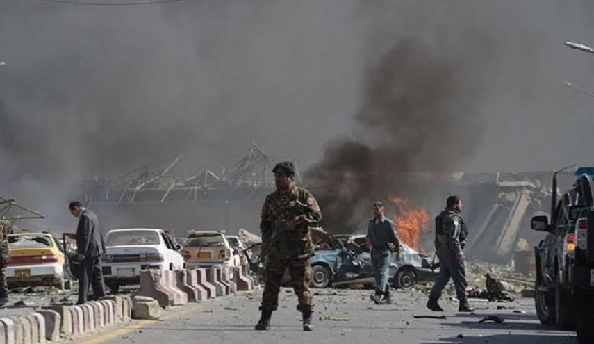 عشرات القتلى والجرحى في تفجير وسط أفغانستان