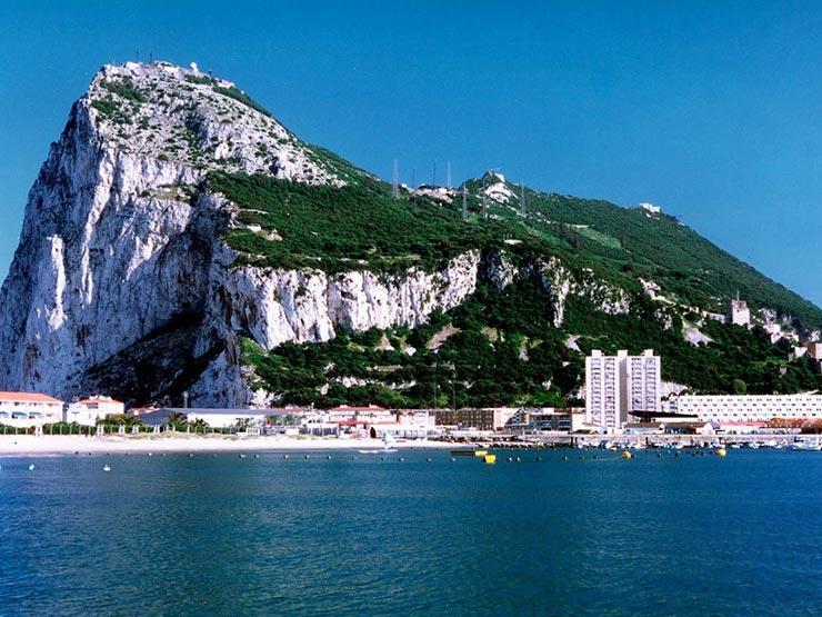 إسبانيا: سنواصل الحوار مع بريطانيا بشأن جبل طارق
