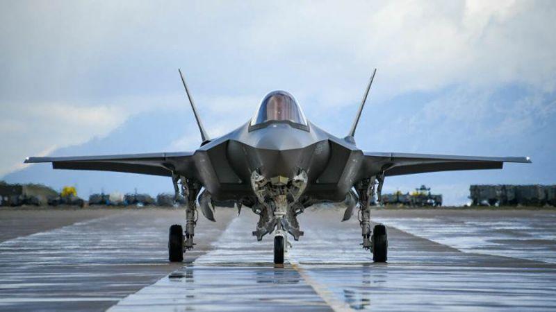 """قطر تسعى للحصول على طائرات """"إف 35"""" الأمريكية"""