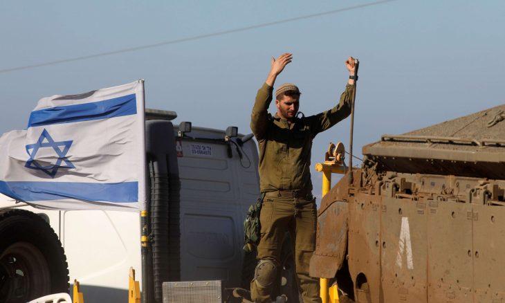 جنرال إسرائيلي يطالب بلجنة تحقيق في سرقة أسلحة القواعد العسكرية