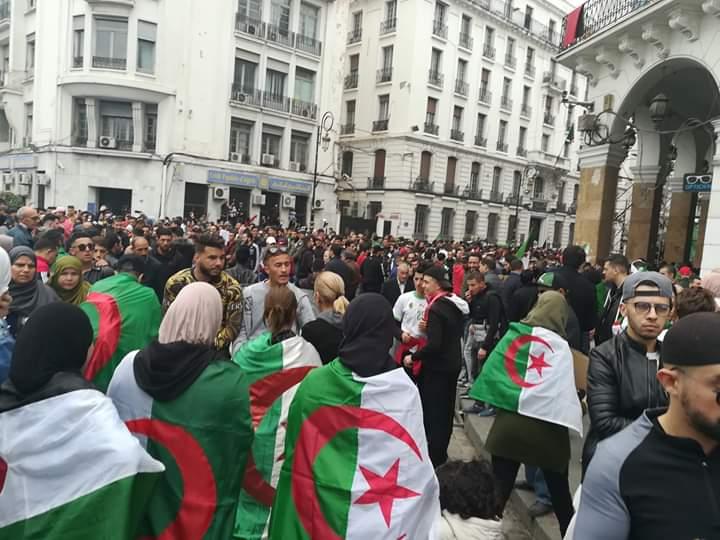 الجزائر تعفو عن 59 شخص من معتقلي الحراك الشعبي