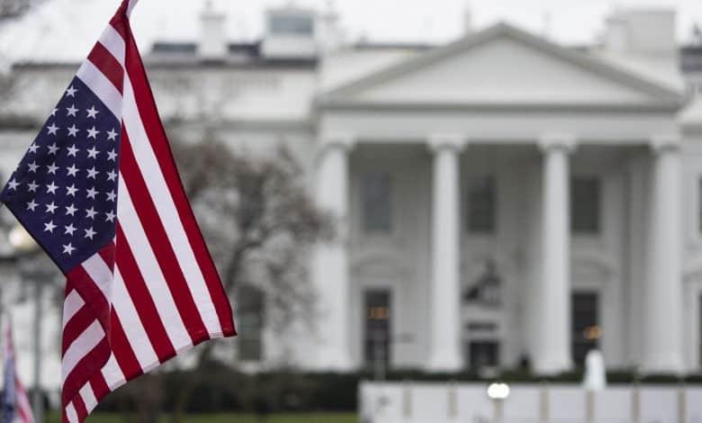 أمريكا تفرض عقوبات على شركتين عسكريتين في ميانمار