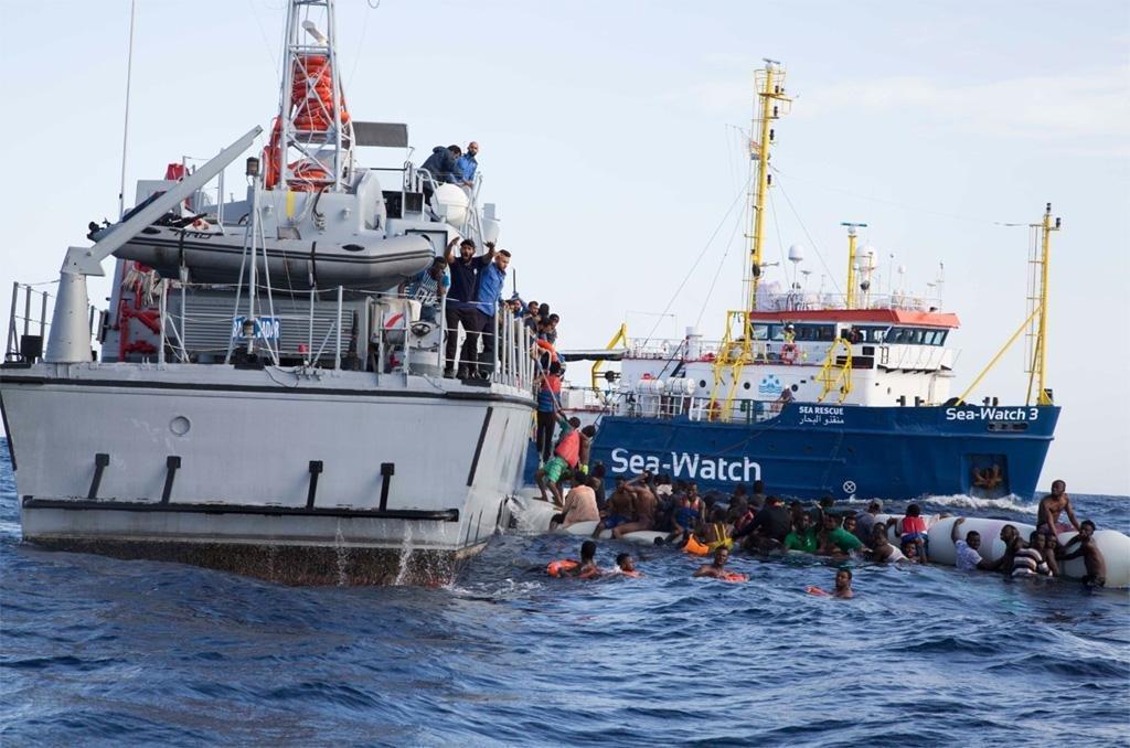 سي ووتش الألمانية تنقذ مهاجرين قرب السواحل الليبية