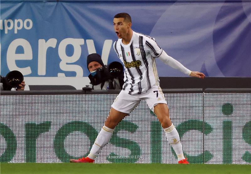 ماركا.. عودة رونالدو إلى مدريد صعبة وسياسة النادي تتمثل في التعاقد مع الشباب