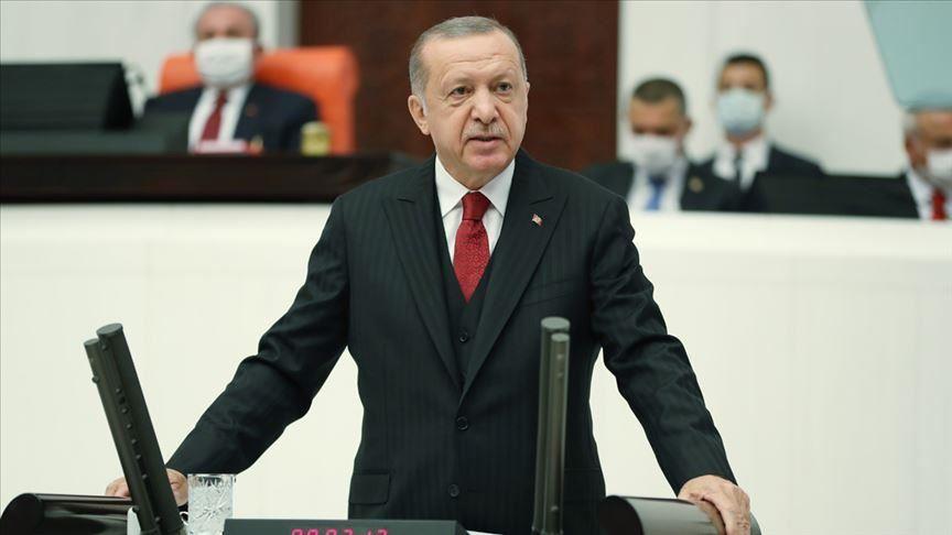 """أردوغان يقف لجانب أوكرانيا عبر تأييده لـ """"منصة القرم"""""""