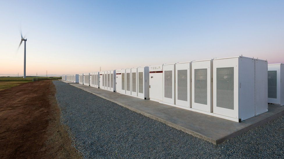 آبل تعتزم الاستعانة ببطاريات تسلا في مزرعات الطاقة الشمسية