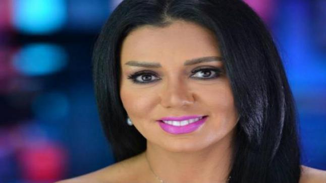 """عمرو اديب يعلق على إطلالة رانيا يوسف في دير جيست """"انتي مبتتعلميش"""" وهكذا ردت عليه"""