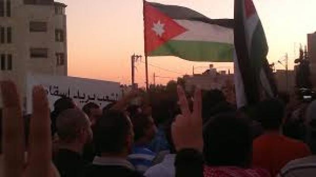 بعد التراجع عن زيادة الأسعار – نواب بالبرلمان الأردني يطالبون بإقالة الحكومة