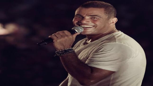 عمرو دياب يطرح أغنية جديدة وهذه صورته من كواليس الأغنية