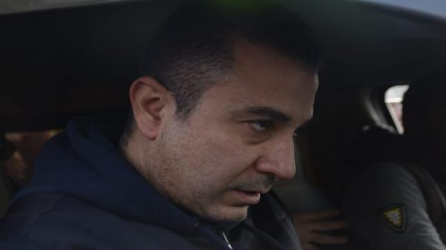 شاهد بالصور لقطات مؤثرة لأحمد سعيد عبد الغني في جنازة والده