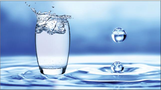 تفسير رؤية الماء في المنام للمتزوجة والحامل والعزباء لابن سيرين