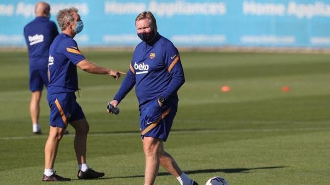ميسي يقود قائمة برشلونة في دور المجموعات بدوري أبطال أوروبا