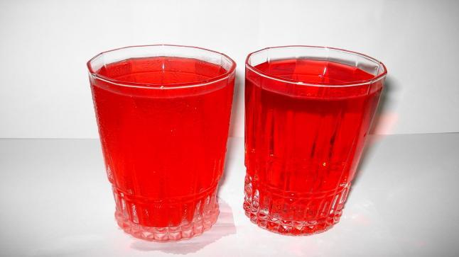 تفسير رؤية شرب الشربات في المنام للعزباء والمتزوجة والحامل