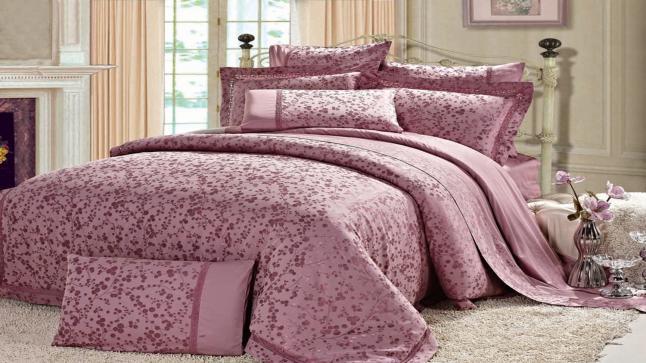 تفسير حلم ملايات السرير في المنام للعزباء والمتزوجة والحامل