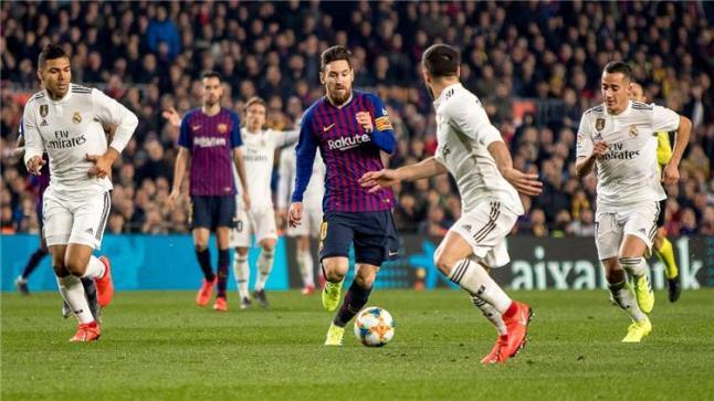 """رسميًا.. رابطة الليجا تُعلن موعد """"كلاسيكو الأرض"""" بين برشلونة وريال مدريد"""