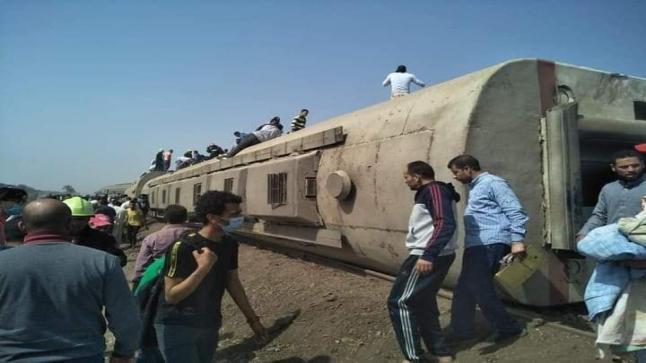 مصر.. عشرات القتلى وأكثر من 90 مُصاب في حادث انقلاب قطار جديد