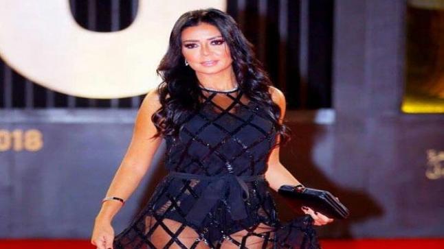 رانيا يوسف مهددة بعد أن تصدرت ترندات المواقع وأصبحت حديث الساعة
