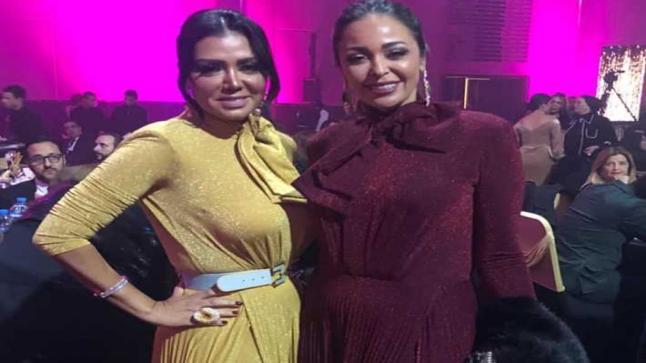 مفاجأة حفل الدير جيست ظهور رانيا يوسف وداليا البحيري بنفس الفستان الهوت شورت