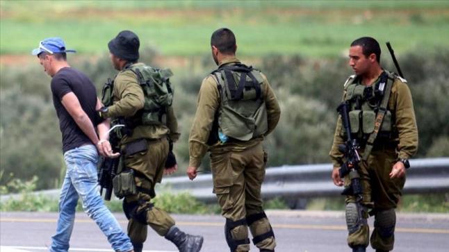 تواصل الاعتقالات بحق فلسطيني الضفة الغربية لليوم الثاني على التوالي