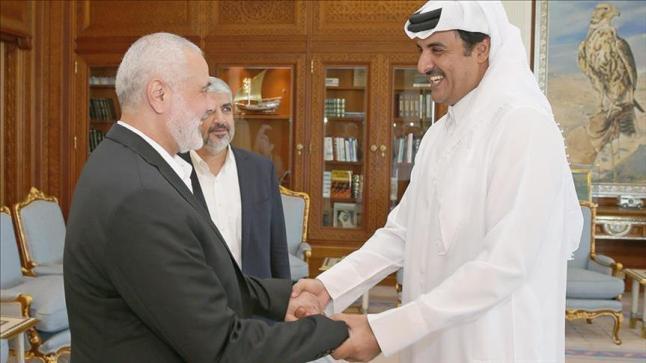 أمير قطر يهنئ إسماعيل هنية بفوزة برئاسة المكتب السياسي لحماس