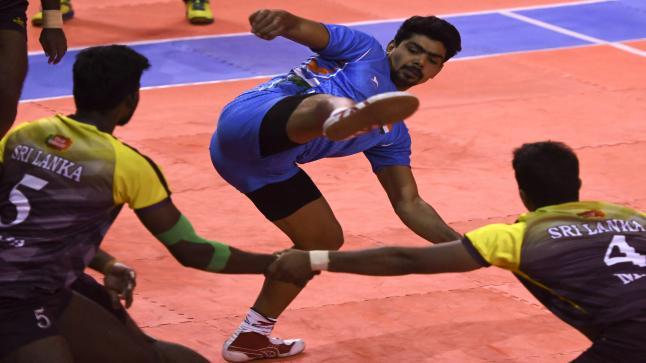 انهيار مدرج أثناء بطولة جماعية لرياضة في الهند