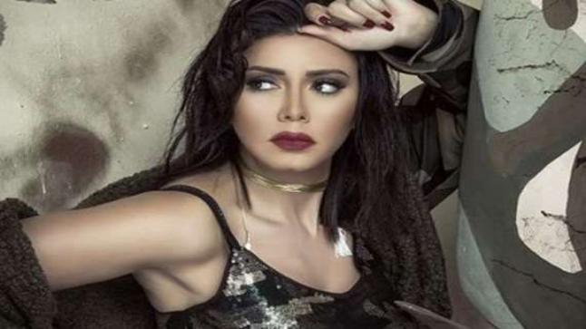 """شاهد رانيا يوسف بالنقاب على بوستر فيلم """"ليلة حب"""""""