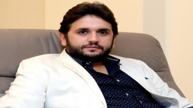 مصطفى خاطر يفقد أعز الناس لديه ونجوم مسرح مصر يواسونه