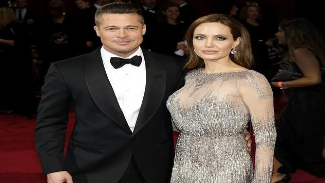 أنجلينا جولي ترغب بالعودة إلى براد بيت، فما القصة؟