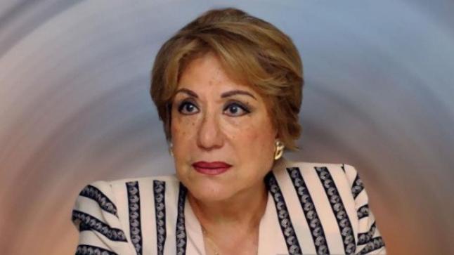 سميحة أيوب تسجن مدير أعمالها أحمد النحاس، وهو ينتقم بالكشف عن زواجه السري منها منذ 18 عام
