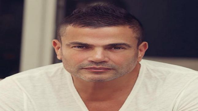 """شاهد بوستر ألبوم عمرو دياب الجديد """"أنا غير"""" لصيف 2019"""