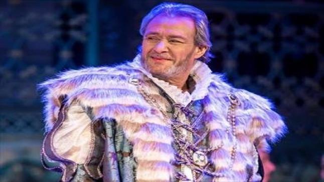 """هذا النجم يحل مكان الراحل فاروق الفيشاوي في مسرحية """"الملك لير"""""""
