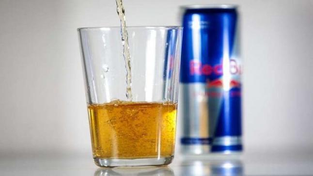 4 علب مشروبات طاقة السبب وراء تدمير حياة شاب بريطاني