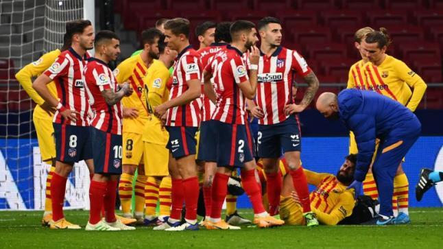 """برشلونة يُعلن التشخيص النهائي لإصابة """"روبيرتو وبيكيه"""""""