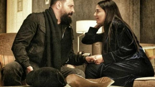 """مسلسل """" الهيبة-الحصاد """" يجمع مشاهد رومانسية ساحرة القلوب بين تيم حسن وسيرين عبد النور"""