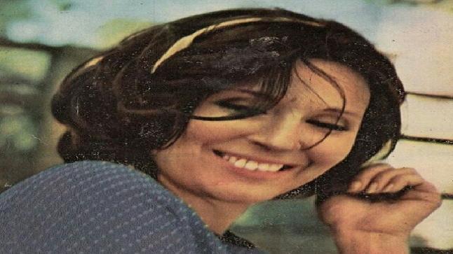 في ذكرى وفاة أيقونة الجمال والأنوثة سعاد حسني، شاهدوا صور نادرة للسندريلا كما لم ترونها من قبل