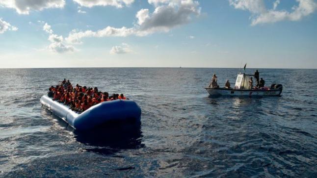مصرع 20 مهاجر عقب غرق قاربهم قبالة السواحل التونسية
