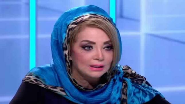 شاهد بالصور الظهور الأول للفنانة شهيرة بدون حجاب وبشعر أشقر طويل