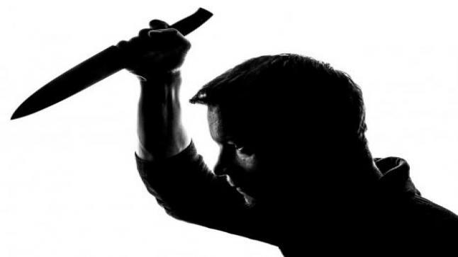 تفسير حلم الطعن بالسكين في المنام لابن سيرين للرجل والمرأة
