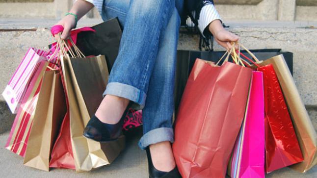 تفسير حلم شراء الملابس الجديدة في المنام لابن سيرين