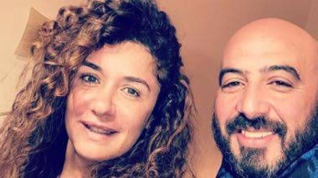 مجدي الهواري يدلل غادة عادل ويحير الجمهور