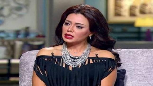 رانيا يوسف تحتفل بعيد ميلادها ال45 وتعتذر لكل أسرة مصرية عن اطلالتها المثيرة بحفل الاختتام