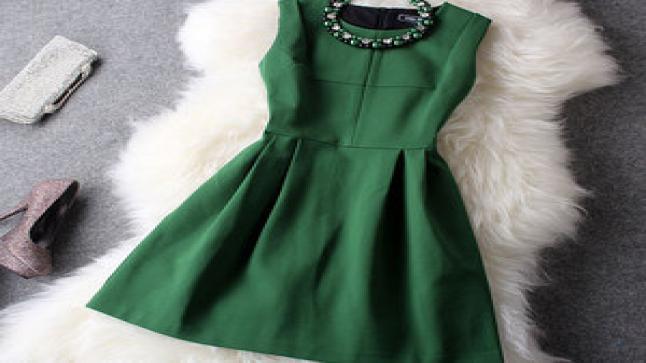 تفسير حلم الثوب الأخضر في المنام للعزباء والمتزوجة والحامل